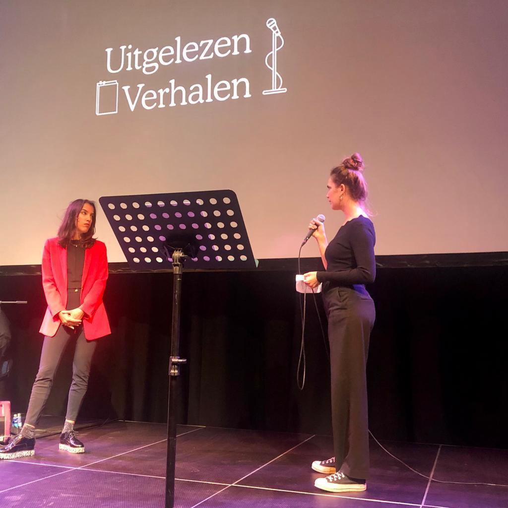 Lieske Pricker (rechts) interviewt Lara Nuberg.