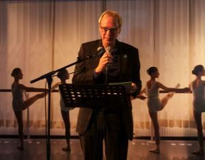 Pieter van Scherpenberg leidt voorstelling in